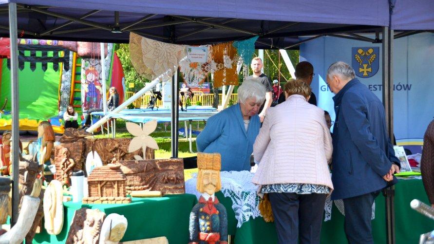 Zdjęcie przedstawiające stoisko Gminy Celestynów na Powiatowym Festiwalu Kultury